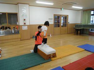 体操 跳び箱1